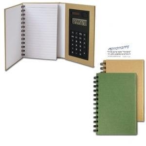 פנקס עם בלוק נייר ומחשבון
